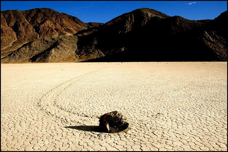 slidingstones-deathvalley