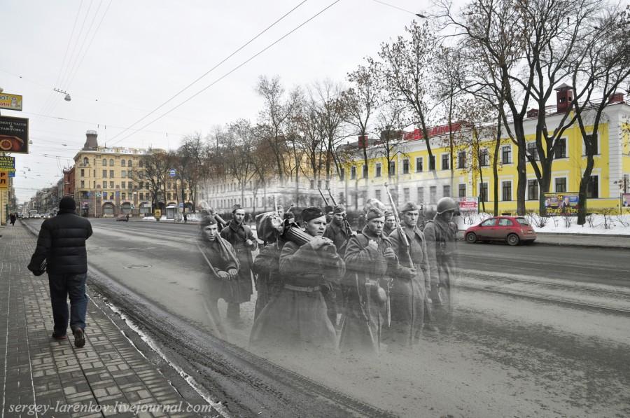 Ejército con  ametralladoras de camino hacia el frente. Leningrado 1942 - San Petersburgo